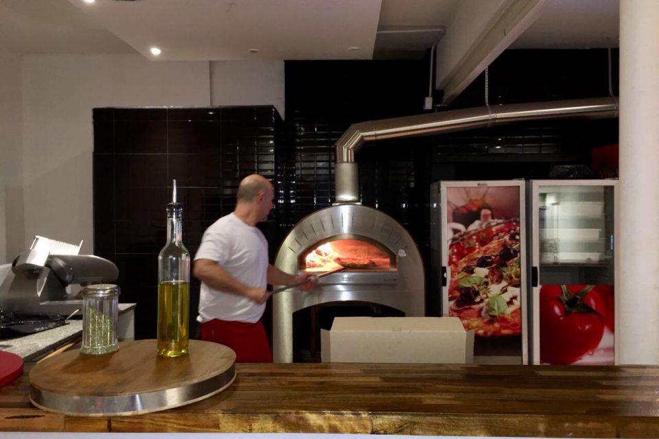 Carusi Pizza: El primer restaurante en la Ciudad que trajo a sus comensales el verdadero sabor de la pizza napoletana