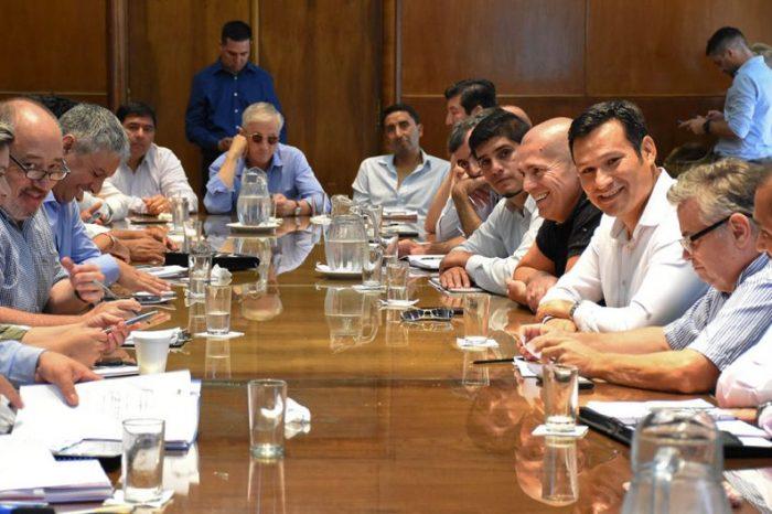 Provincia y 43 intendentes neuquinos avanzan en una agenda común con Nación