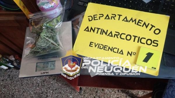 Encuentran un impresionante container de drogas en un casa de Neuquén Capital