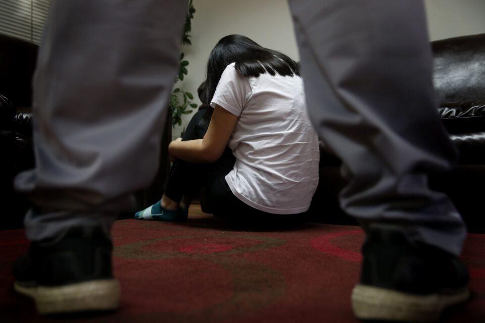 Abren juicio contra un hombre acusado de abusar sexualmente de una niña durante varios años