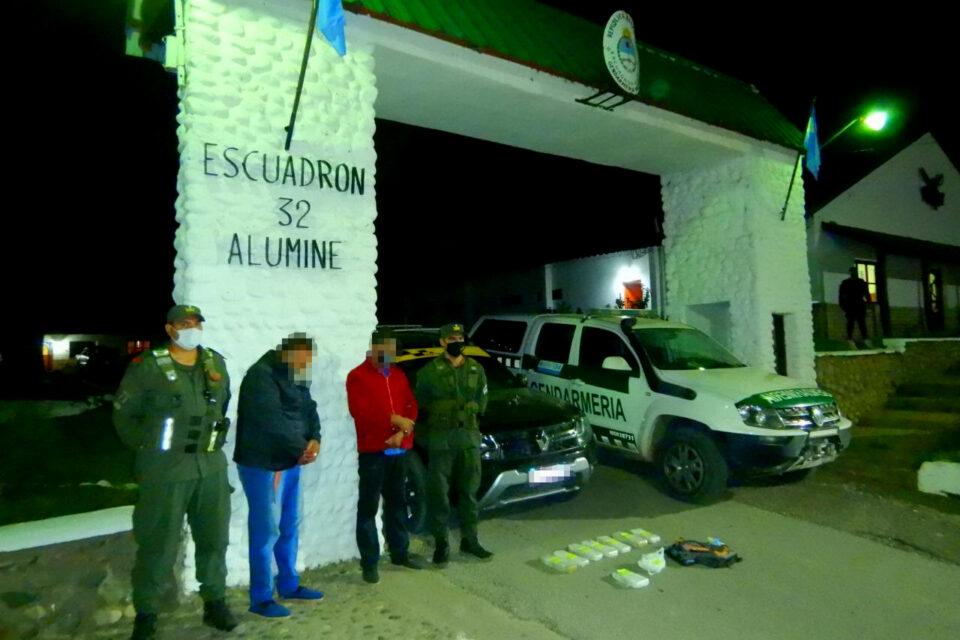 Incautan más de 8 kilos de estupefacientes en Neuquén: Los llevaban en una mochila