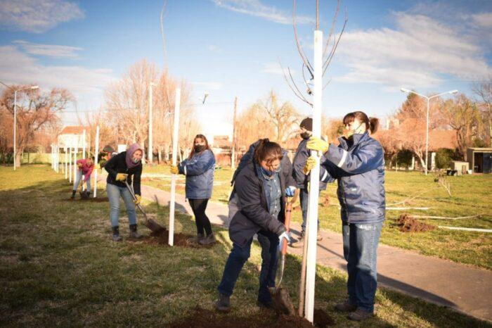 Salud participó de un homenaje a los fallecidos por el COVID-19